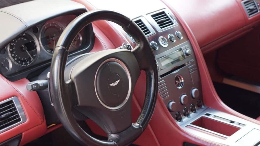 Limpieza y Mantenimiento - Aston Martin DB9