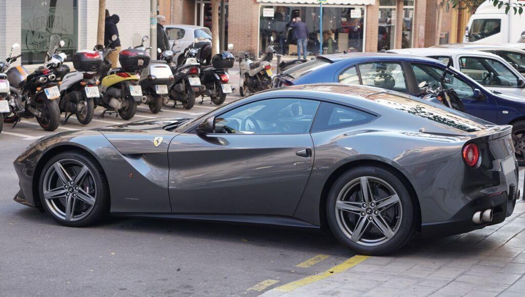 Ferrari F12 - Descontaminado y Encerado